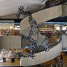 Form som hänger ned från taket